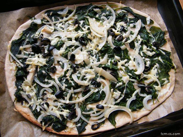 Celozrnná pizza s čerstvým špenátem