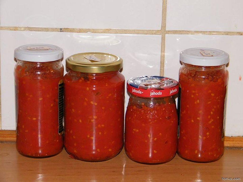 Loupaná krájená rajčata